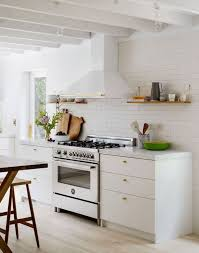 House Tour :: A Light & Airy Renovation in Amagansett | kitchen ...