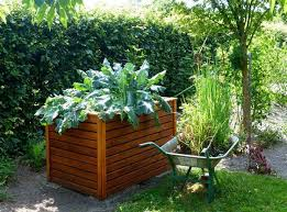 10 raised garden bed ideas with a