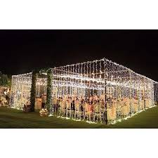 Take a look at the best outdoor wedding lighting in the photos below