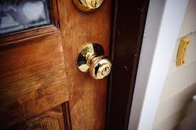 Door Knob On Door Door Knob Latch Stuck On O Nongzico