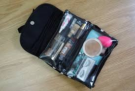 what s inside my makeup travel bag