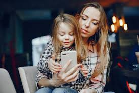 mother with daughter nohat free for
