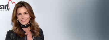 Luchtige Golvend Haar In De Stijl Van Cindy Crawford
