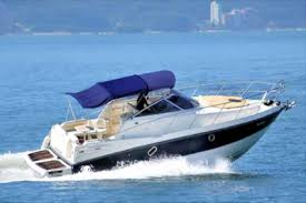 34 Ft Luxury Cranchi Yacht For Up To 8 Adults Equipped With Full Bathroom  ,luxury Are Conditioned Lounging Area Inside With Kitchen