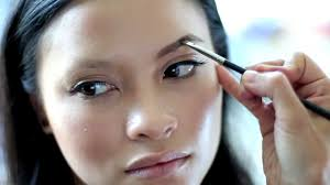 quick and easy tips to do your makeup in 2 minutes