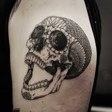 24 карточки в коллекции татуировки черепа в стили Blackwork