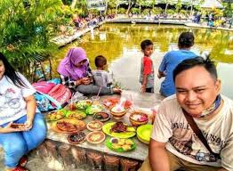 Tempat outbound wisata edukasi ini masih alami, hawa sejuk dan dikelilingi sawah. 10 Tempat Wisata Terbaru Dan Hits Di Sidoarjo Jawa Timur Update Juni 2019 17sekians