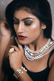 piyaa is a celebrity fashion and bridal makeup artist makeup artist pune mumbai india about