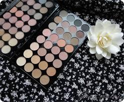 makeup revolution flawless muszę przyznać że po zawodzie jakim była paleta brights ta zrobiła na mnie dużo lepsze wrażenie