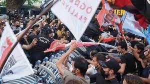 Kadıköy: Suruç Katliamı'nda yaşamını yitirenler için yürüyen gençlik  örgütlerine polis saldırdı – Sendika.Org