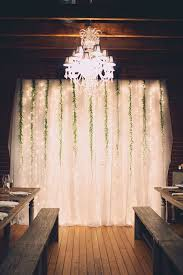 indoor wedding reception backdrop / http://www.himisspuff.com/wedding