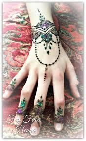 Henna Glitter Designs Henna And Glitter Design Henna Henna Mehndi Henna Art