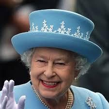 La regina Elisabetta sta preparando una sorpresa per Charlotte e Louis, è  per il loro compleanno