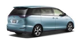 2005 Toyota Estima Review - Top Speed
