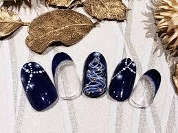 12月はクリスマスネイルや冬ネイルでネイルサロンが提案する季節の