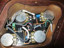 show me your gibson quickconnect control cavity my les paul forum i was expecting to the pup connectors using a two wire plug like the output jack connector like in the image below