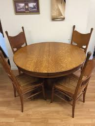 excellent solid oak round dining table and 6 chairs antique victorian tiger oak light oak round