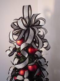here s another lovely design for tree topper you can consider making this it isn t a simple bow as it s made by combining several layers of
