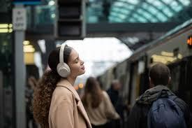 Tai nghe WH-1000XM4 ANC xuất sắc của Sony được giảm giá mạnh - VI Atsit