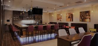 burr ridge il hotel near midway airport with free shuttle crowne plaza chicago sw