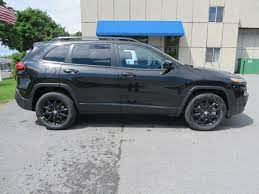 The 2014 Jeep Cherokee Altitude Is Here This Particular One Is Brilliant Black With The V6 Engine Jeep Cherokee Jeep Cherokee