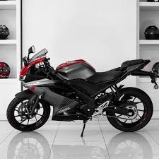 155 cc red and blue bs6 yamaha r15