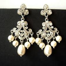 saachi art deco inspired chandelier pearls and lace wedding earr