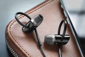 bowers and wilkins c5 series 2 in ear headphones. thanks to improvements in small-scale drive unit design, the latest version of b\u0026w c5 in-ear headphones sounds more natural and controlled than ever. bowers wilkins series 2 ear