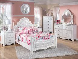 Martini Bedroom Suite Ashley Furniture Bedroom Suites Gabriela Poster Bedroom Set Ashley