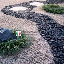patio pebble ciottoli and gravel
