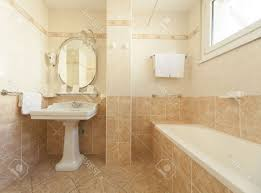 What Color To Paint Bathroom Walls With Beige Tile White Soaking - Beige bathroom designs