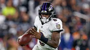 Baltimore Ravens quarterback Lamar ...