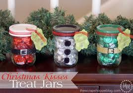 Christmas Decorated Mason Jars I'm SO doing this to hand out at work this year Nurses love 77