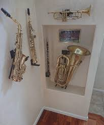 saxophone holder