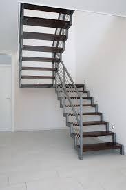 Das berechnen von treppen ist ein thema für die berechnung erfolgt immer für die differenz zwischen der oberkante des fußbodens und der oberkante der. Treppen Berechnen Formeln Und Tipps ǀ Stadler Treppenblog