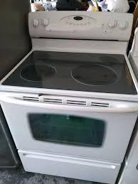 white glass top stove whirlpool