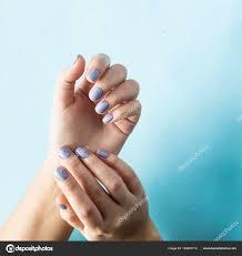 Modrá Manikúra ženské Nehty Modrém Pozadí Trend Pro Jemné Pastelové