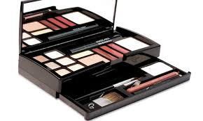 makeover essentials weekly essentials makeup kit 20 piece