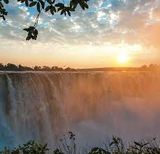 Vastly larger than north america's niagara falls. The Ultimate Guide For Your Safari In Victoria Falls Wild Horizons