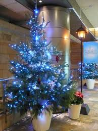 ... 40-fresh-blue-christmas-decorating-ideas-10