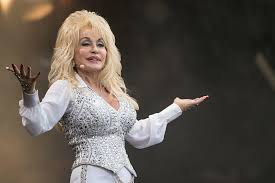 Dolly Parton Makes Hot Country Songs Chart History