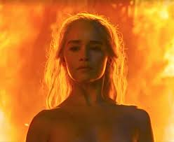 emilia clarke as daenerys the unburnt emerges from the flames