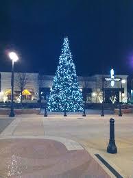 Columbus Ohio Tree Lighting Christmas Tree At Polaris In Columbus Ohio Christmas Tree