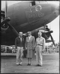 eleanor roosevelt upclosed millard harmon eleanor roosevelt and admiral halsey in the south pacific theater 1943