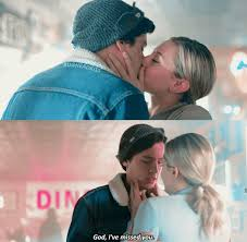 Pin by Audra Warren on Betty and Jughead (Bughead) | Riverdale funny,  Bughead riverdale, Riverdale betty and jughead