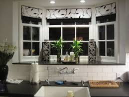 Kitchen Bay Window Decorating Ideas