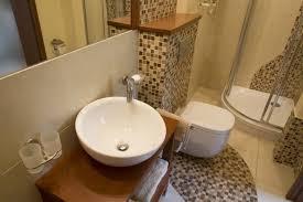 Design Bagno Piccolo : Come arredare un bagno piccolo avienix for
