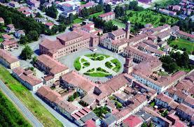 Reggio Emilia 4000 Luoghi | Luoghi | GUALTIERI - PIAZZA E PALAZZO  BENTIVOGLIO