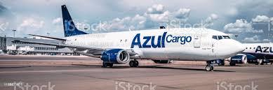 Foto de Boeing 737400f Prazjazul Cargoeste É O Primeiro Avião Recebe Azul  Cargodurante A Cerimônia Do Partidoazul 10 Anos e mais fotos de stock de  Aeroporto - iStock