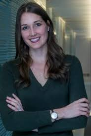 Juliana Smith Holterhaus Headshot - Lisa Nirell